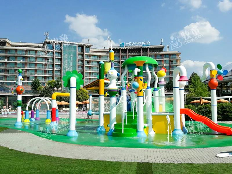 hotels with water parks (1).jpg