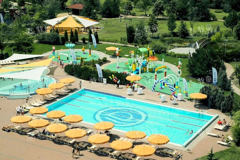 hotels with water parks (5).jpg