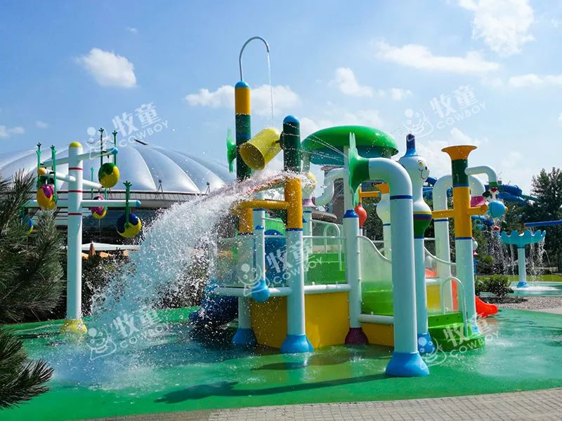 hotels with water parks (8).jpg